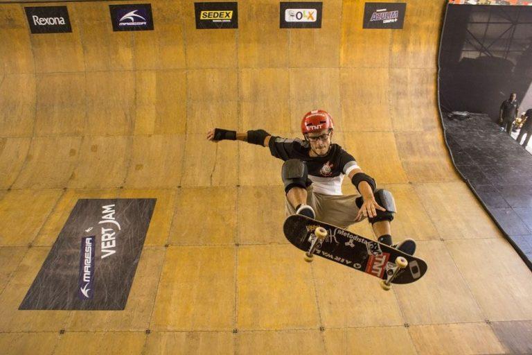 Vertical Skateboard