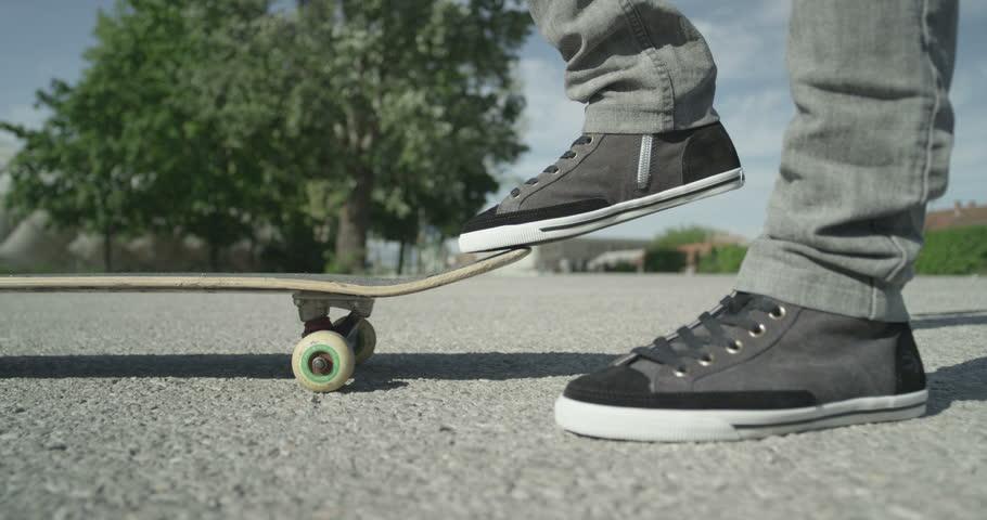 skater pies skate