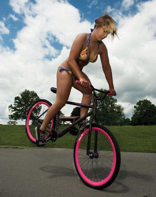 bmx freestyle chica bikini